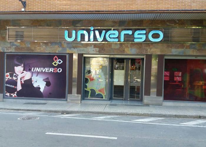 Salon Universo, LocalesArabet