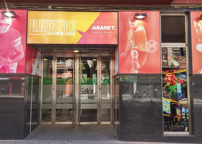 Salon Ludrico, Locales Arabet