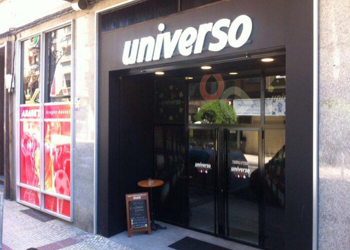 Salon Universo, Locales Arabet