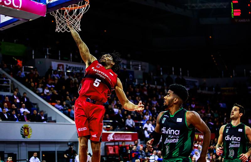 Arabet regala entradas para ver el partido del Basket Zaragoza contra el Obradoiro